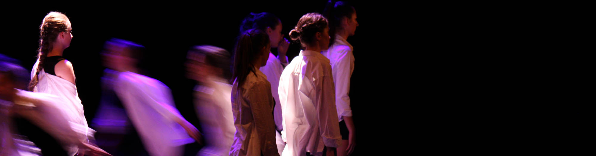 Spectacle de danse contemporaine au CECAP de Lorient